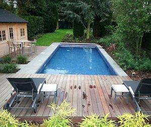 Как сделать бассейн на даче своими руками? (видео)
