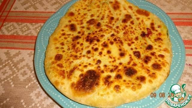 Картофджын. осетинский пирог с сыром и картофелем (ossetian pie with potatoes and cheese) тонкие традиционные пироги: нежное тесто и простая начинка