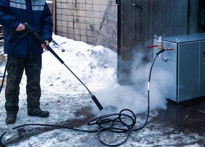 Самые популярные способы отогреть замерзшие трубы не повредив их
