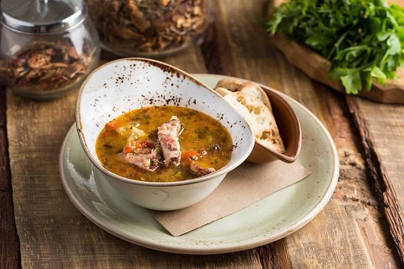 Два рецепта чечевичного супа с курицей