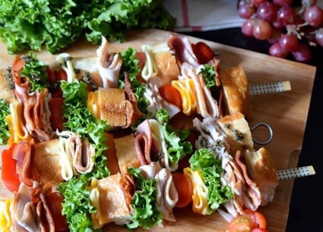 Бутерброды на пикник на природе: быстрые и простые рецепты закусок