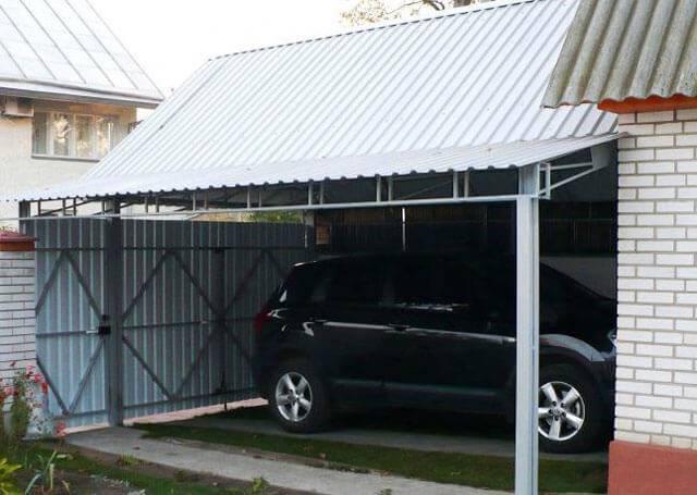Строительство дачного навеса для автомобиля своими руками