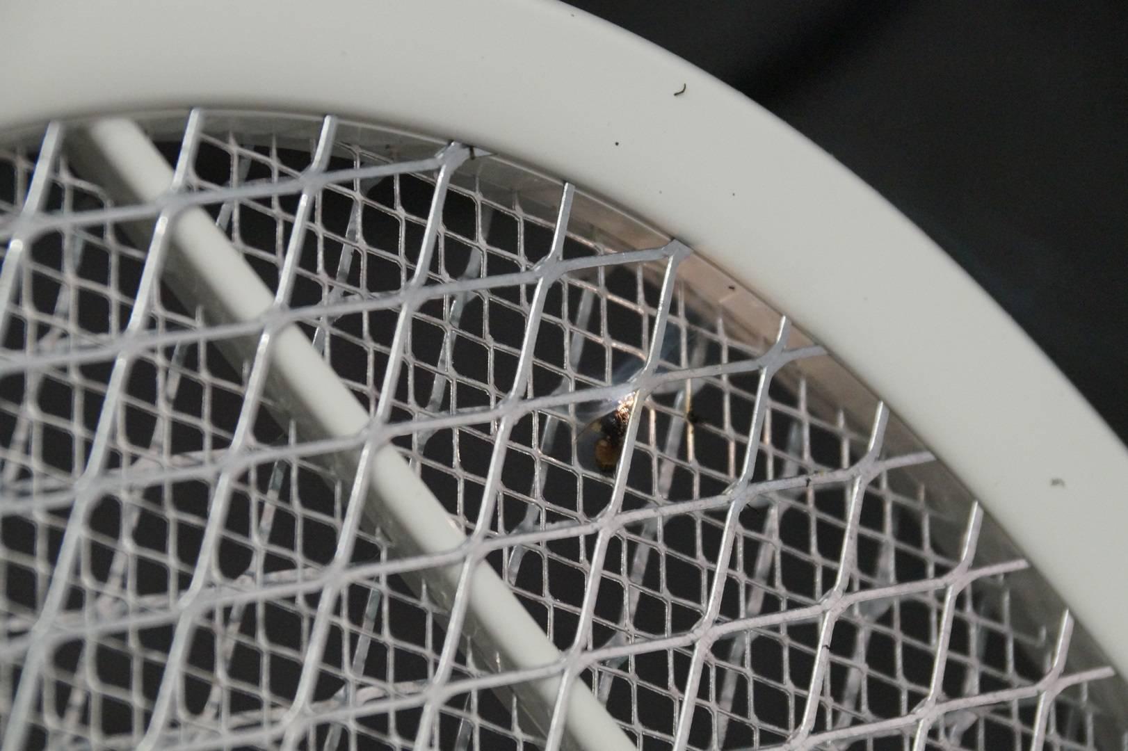 Сделанная в китае электрическая мухобойка. электронные самоделки для радиолюбителей и начинающих электриков схема электрическая мухобойки ls 01r