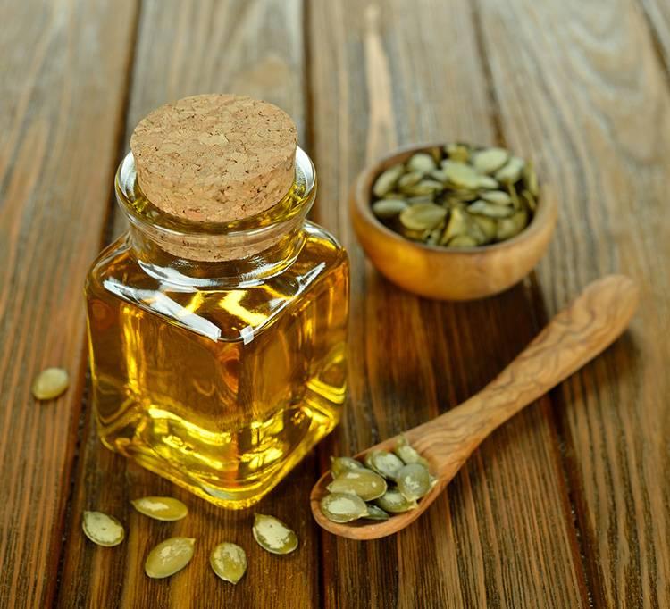 Как принимать тыквенные семечки с медом: их польза и вред для мужчин при простатите