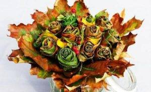 Цветы и розы из кленовых листьев своими руками пошагово. осенние поделки из кленовых листьев – букеты с розами и цветами: мастер класс