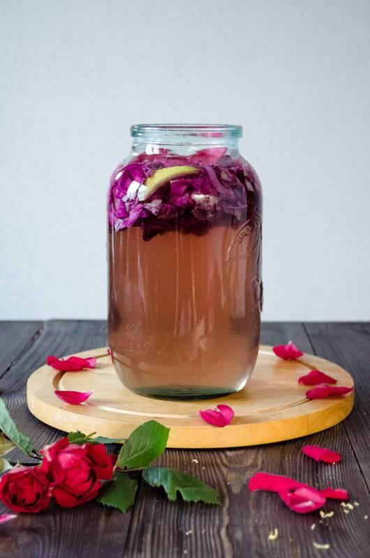 Варенье из лепестков роз: в чем его польза и потенциальный вред. уникальные свойства и простые рецепты варенья из роз