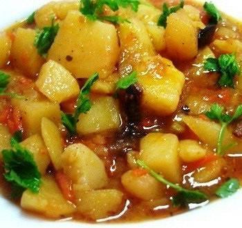 Как приготовить гречку с мясом, тушенкой, грибами, овощами