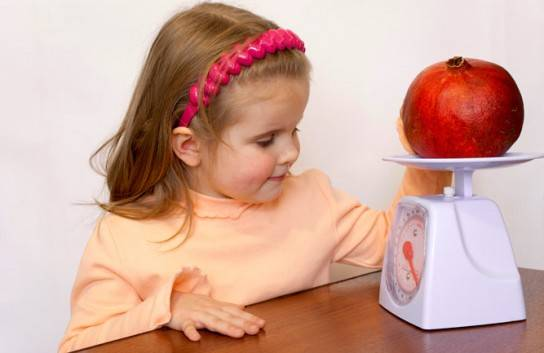 Можно ли детям гранат и с какого возраста можно дать гранатовый сок?