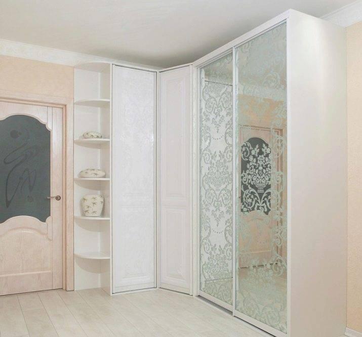 Угловой шкаф-купе в спальню: 5 видов