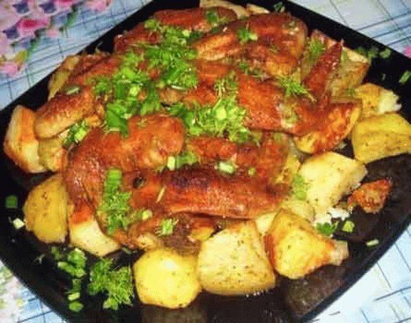 Рецепт курицы с картошкой в духовке на противне, в горшочках