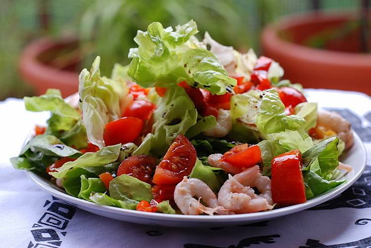 Шикарный салат с авокадо и тунцом
