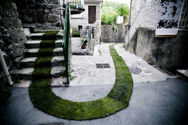 Садовая дорожка своими руками: подготовка, виды, этапы монтажа
