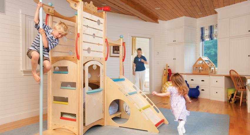Как организовать спортивный уголок для детей в квартире: советы для родителей