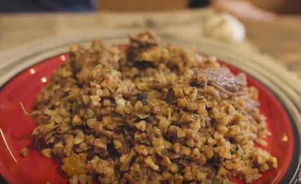 Рецепты гречки с тушенкой в кастрюле, на сковороде, как приготовить