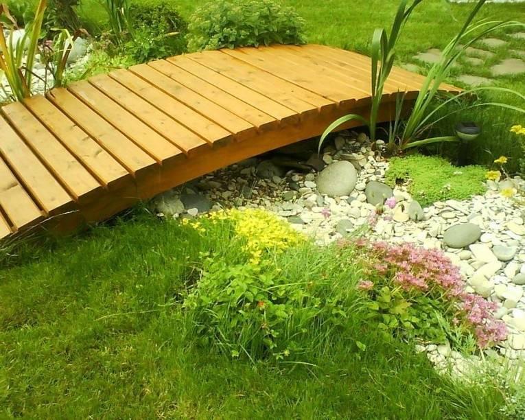 Как создать реалистичный сухой ручей в ландшафтном дизайне сада: фото с примерами, выбор материалов, нюансы устройства