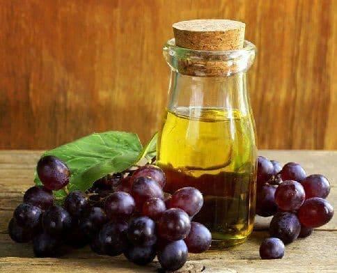 Полезные свойства и противопоказания к применению виноградного масла