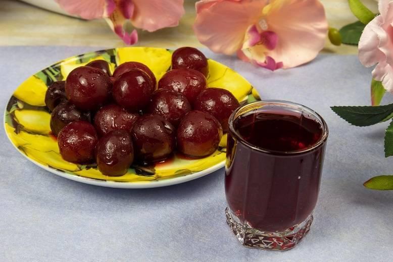 Вишневая настойка – 13 простых рецептов в домашних условиях