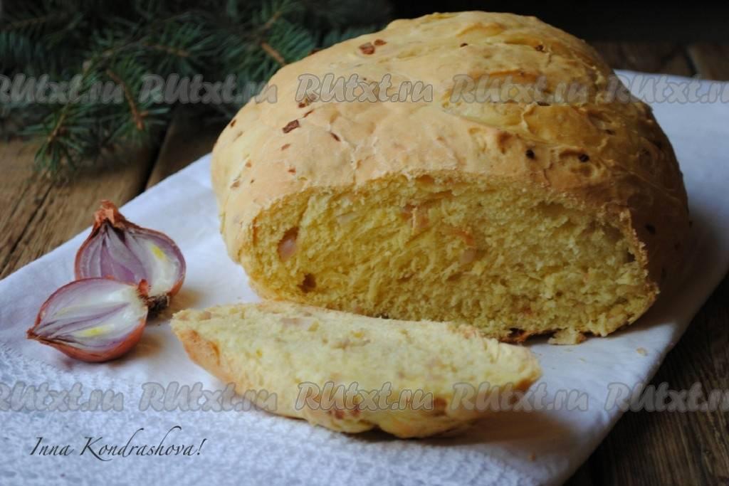 Печем ароматный и мягкий хлеб с жареным луком в мультиварке