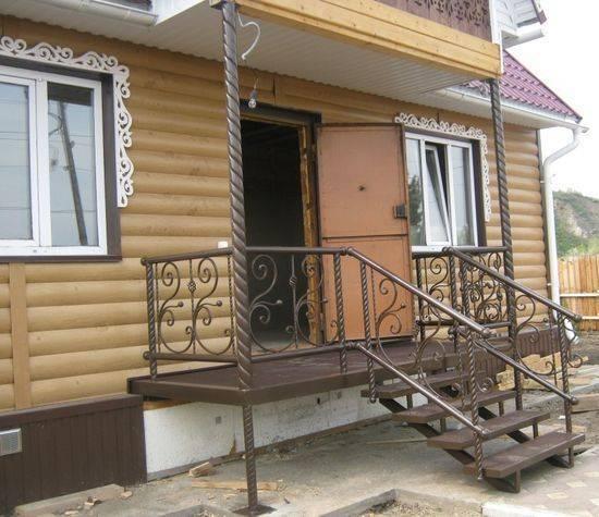Строим крыльцо для частного дома: несколько удобных способов