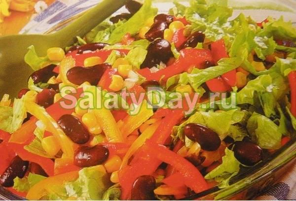 Классические салаты с сухариками и фасолью