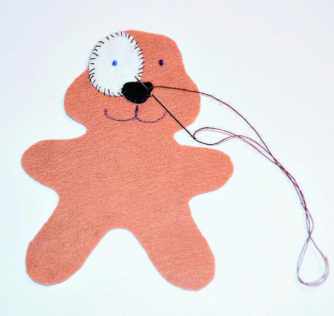 Елочная игрушка собачка своими руками из фетра, картона, видео