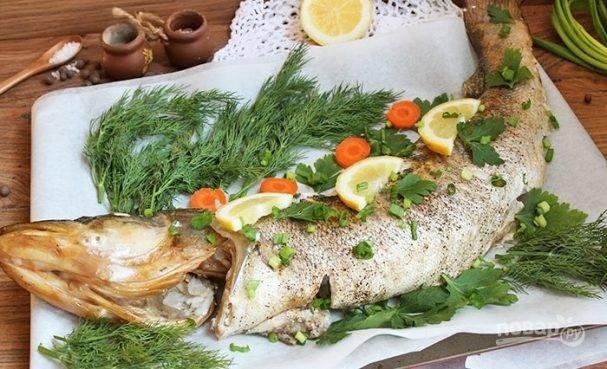Судак в духовке, запеченный целиком — самые вкусные рецепты