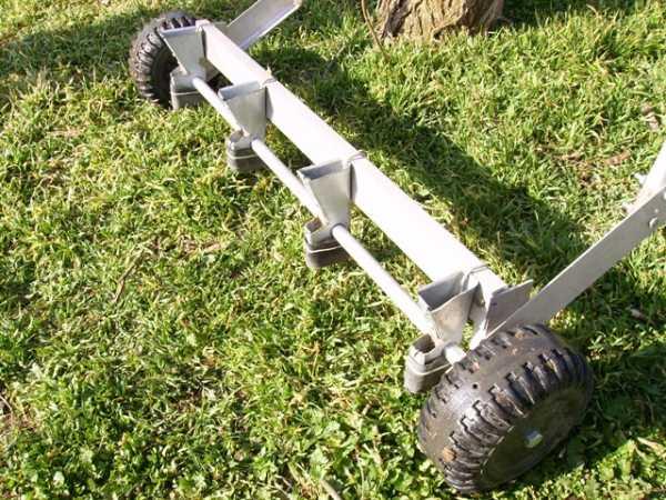 Разбрасыватель-сеялка для посева травы – ручная и механическая своими руками для удобрений