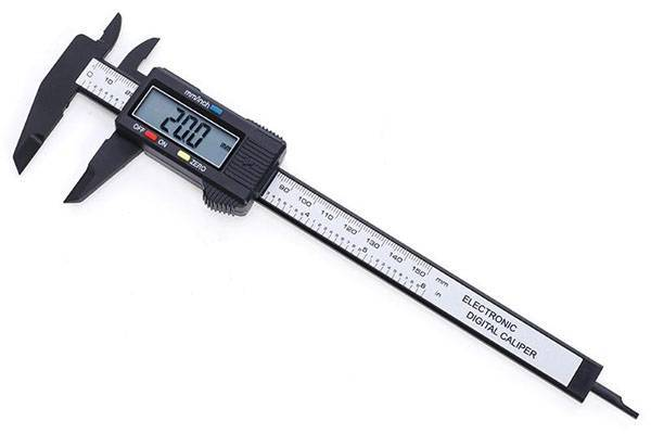 Электронный штангенциркуль из Китая для супер-точных измерений