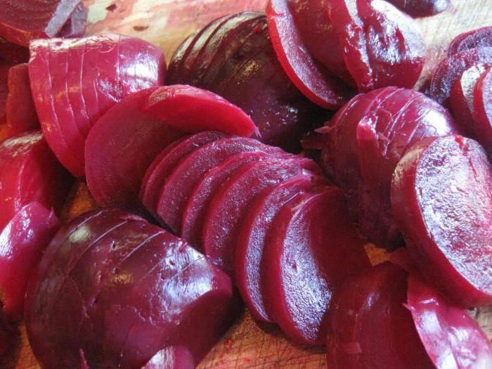Свекла в кулинарии. какая полезнее для организма – вареная или сырая?