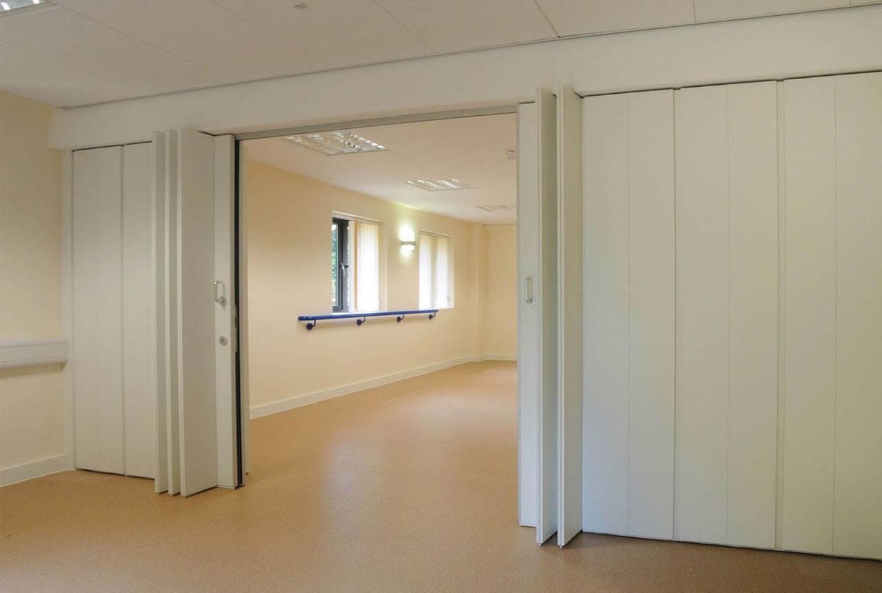 Самостоятельная установка в доме раздвижных дверей: теория и практика