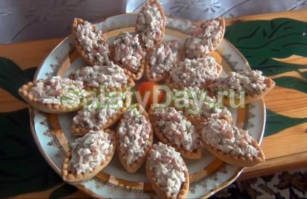 Новогодние быстрые закуски в тарталетках на праздничный стол