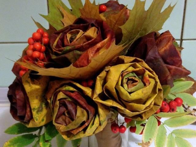 Как сделать розы из кленовых листьев пошагово с фото для начинающих