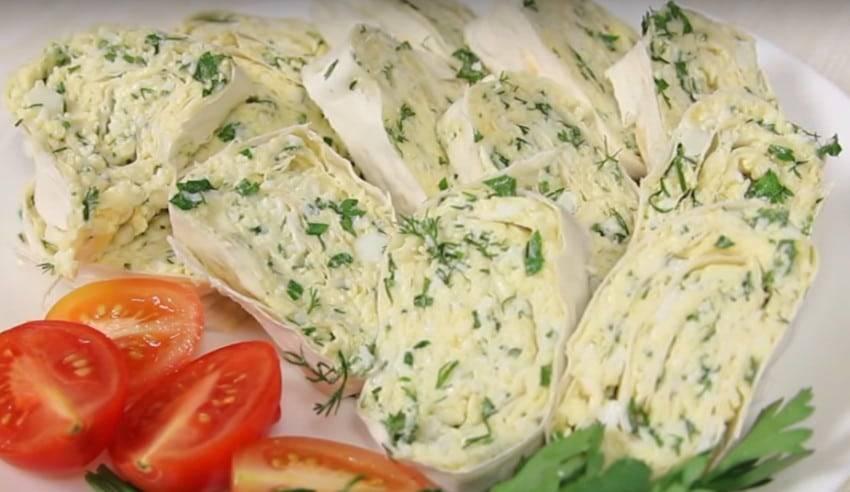 Салат с яблоками сыром и яйцом