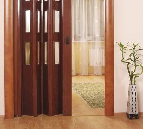 Преимущества и недостатки складывающихся межкомнатных дверей