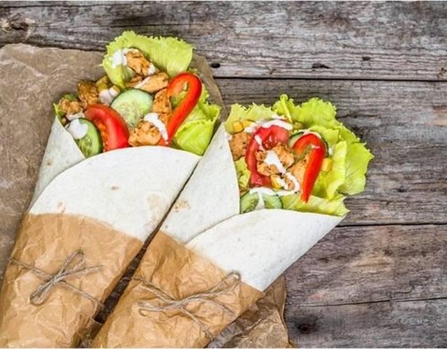 Салат цезарь: 12 диетических рецептов + 3 соуса-заправки