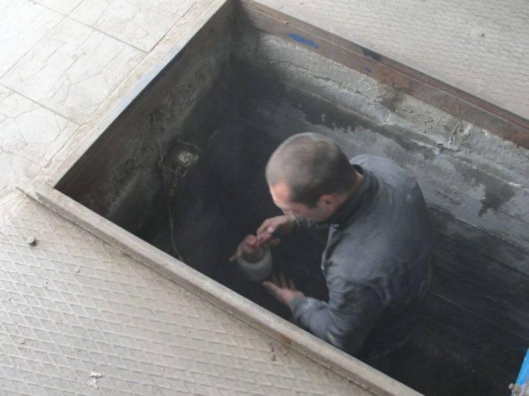 Как правильно сделать смотровую яму в гараже для легкового автомобиля своими руками, устройство и размеры