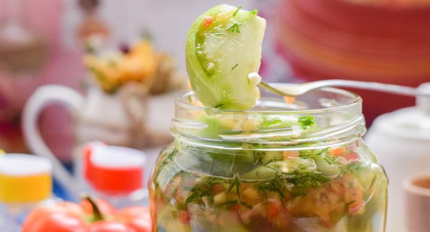 Рецепт очень вкусных зеленых помидоров на зиму - салат, аджика