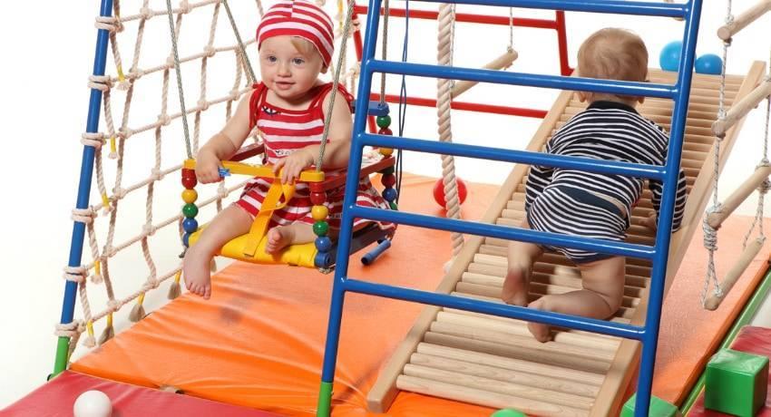 Устанавливаем дома спортивный уголок для детей