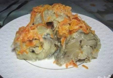 Минтай под морковью в духовке
